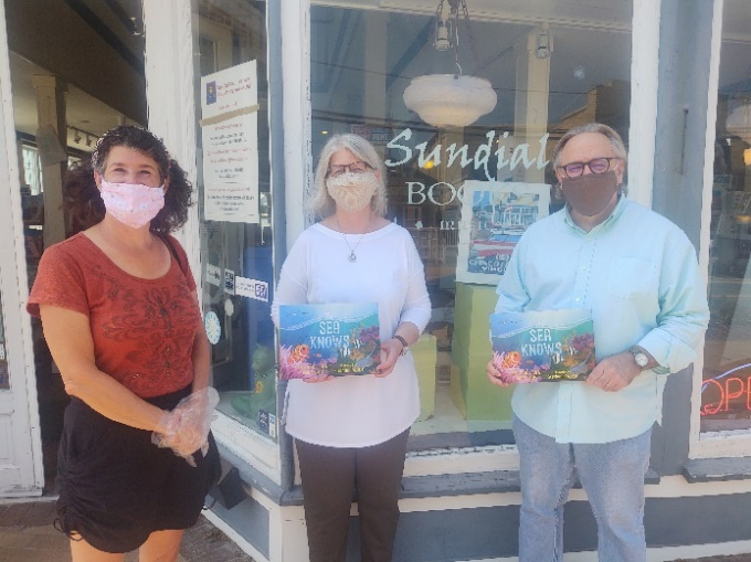 Alice with owners of Sundial Books